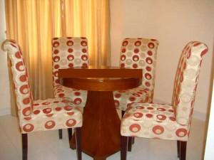 kursi-makan-kayu